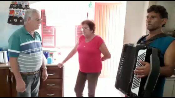 """Música """"Chico Mineiro"""" por Norma Vieira"""