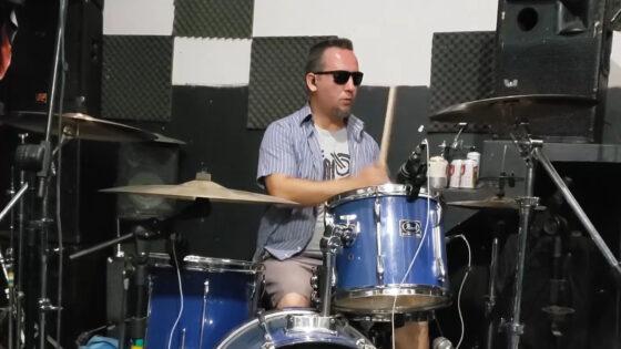 """Música """"Everybody Changes"""" por Eriksson José Correa"""