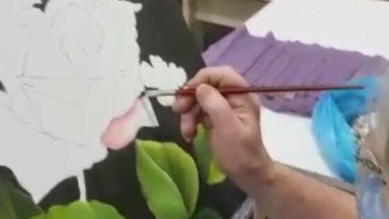 """Aula """"Técnicas de pintura em tela"""" com Gertrudes Lyra Segata"""