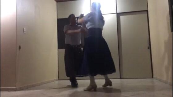 """Aula """"Técnicas de Dança Gaúcha"""" com Lucenir Schmitz Alves"""